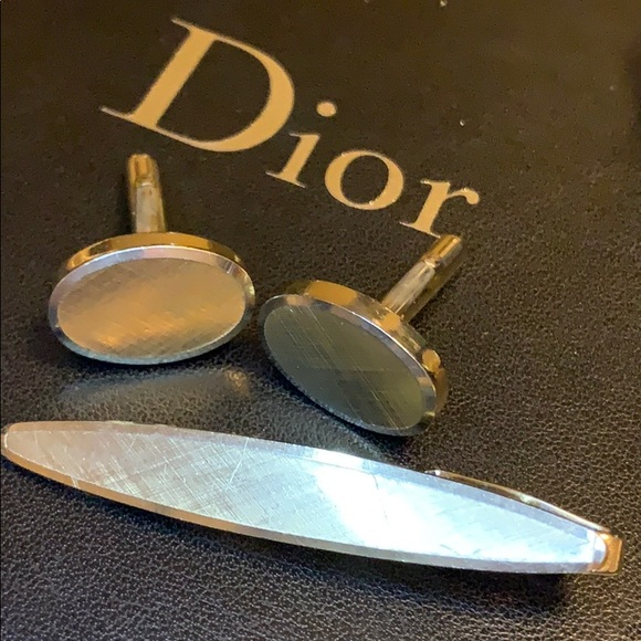 Other - Gold cuff links and tie clip matching set